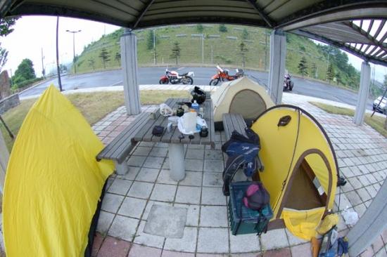 R5号沿いでキャンプ